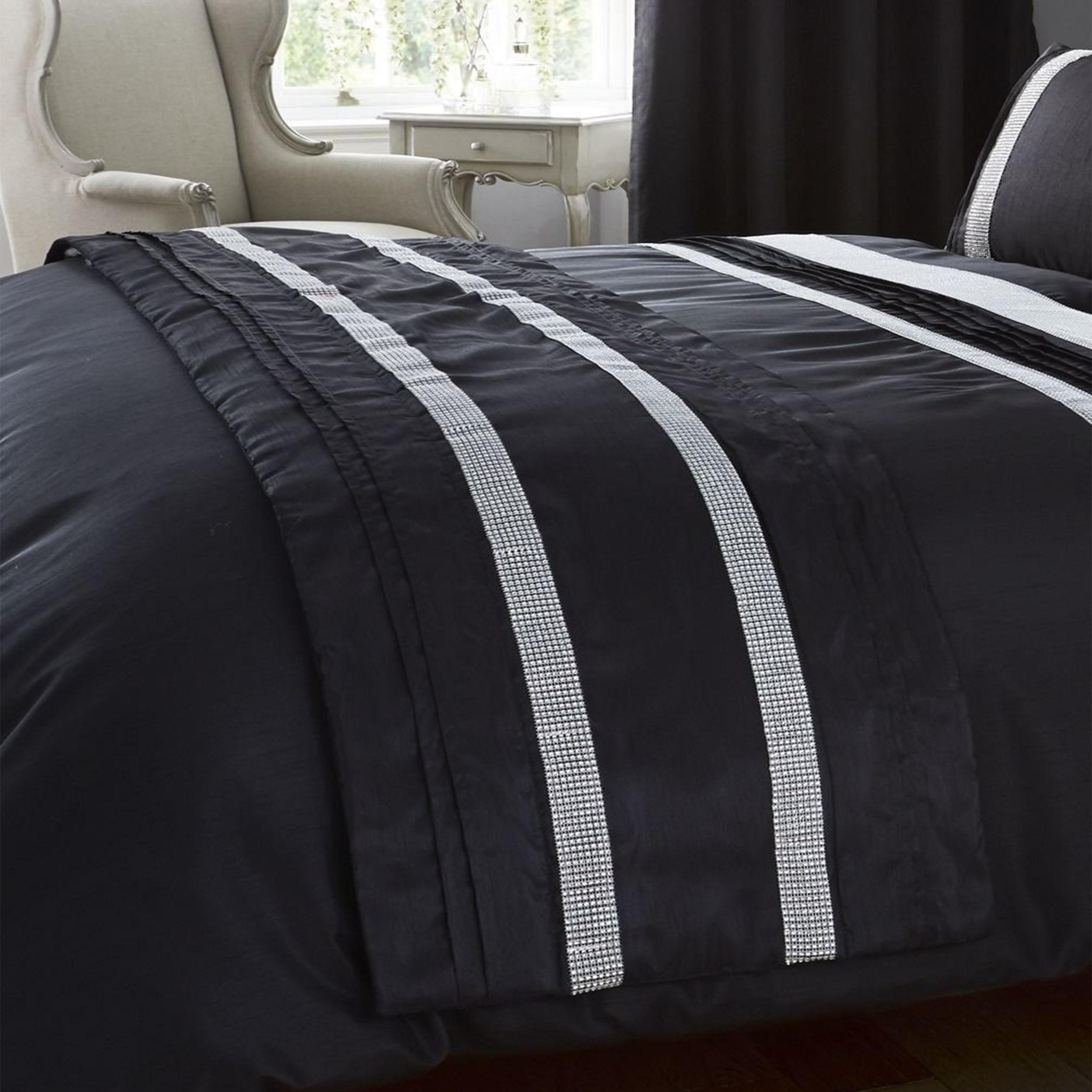 Kimberley Decorative Throw Diamante Modern Quilted Bed Runner Polyester Black 50 X 220 Cm Onlinestreet Uk